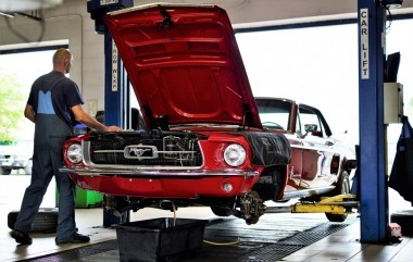Oldtimer Ford Mustang in progress