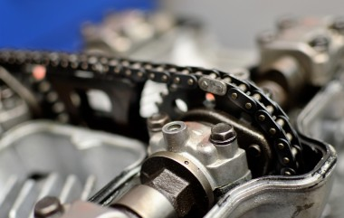 Motorcycle SUZUKI S650 timing chain repair